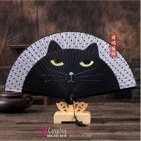 Quạt Gỗ Nhật In Mèo May Mắn