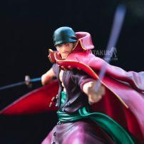 Mô Hình Figure Roronoa Zoro Áo Đỏ Pop - One Piece