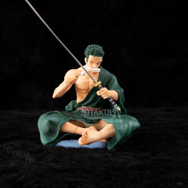 Mô Hình Figure Rononoa Zoro Wiping Sauron - One Piece