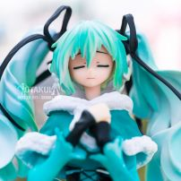 Mô Hình Figure Hatsune Miku Snow In Summer Ver.