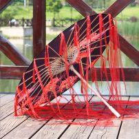 Dù Vải Cổ Trang Đen Hoa Bỉ Ngạn Đỏ - Tua Rua Đỏ